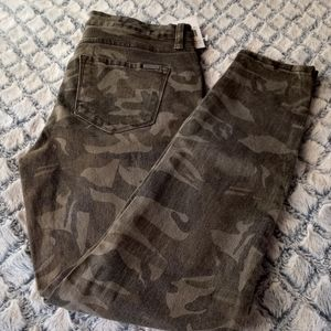 STS Blue Ellie Camo High Rise Ankle Jeans 28